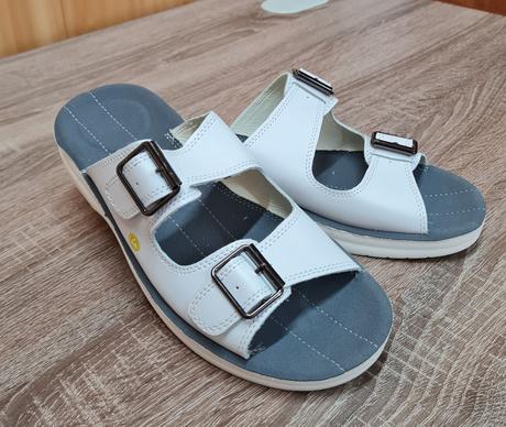 Антистатические кожаные сандалии DOKA-CA-43 белые